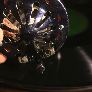 how gramophone works